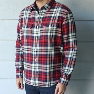 American Eagle Red Plaid Flannel Long Sleeve Shirt